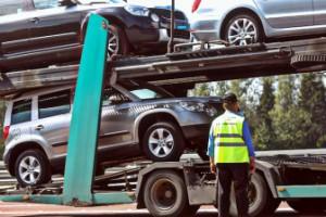 Імпорт автомобілів до України жорстко обмежать вже наступного року