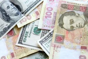 На чорному ринку відкат — американська валюта подешевшала на 25 копійок