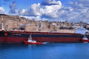 Нафтосховища Китаю заповнені до межі