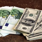 Долар в незначному плюсі до світових валют