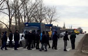 Аграрии снова перекрывают дороги по всей Украине