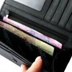 Реальные доходы украинцев упали на 27%, — Госстат