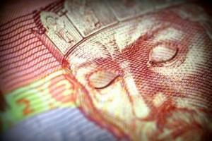 Долару напророкували новий курс і черги покупців