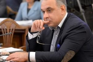 Бізнесмен пояснив економічні проблеми України неписьменністю Яценюка