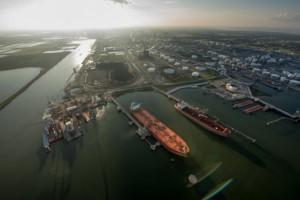 США начнут экспортировать нефть в январе 2016 года