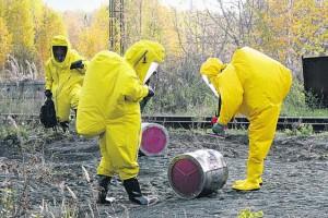 Опасные отходы направлялись в Омск и потерялись
