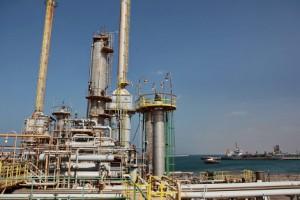 Оман готов сократить производство нефти на 5-10%
