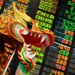Рынок акций Китая рухнул к минимуму за год на фоне падения офшорного юаня