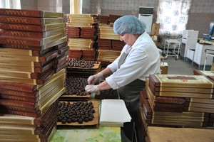 На Украине вступил в силу запрет на ввоз российского шоколада и кетчупа