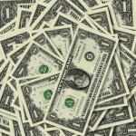 Официальный курс доллара обновил максимум в 2016 году