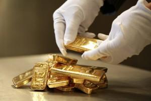 Цены на золото выросли до годового максимума