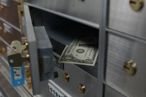 Украинцы снова кладут деньги на депозиты