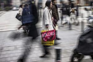 Объем розничных продаж в еврозоне в январе вырос больше прогноза