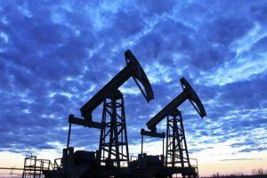 Эксперты: ожидается рекордный обвал цен на нефть