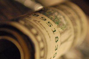 Откуда украинские партии берут деньги и на что их тратят
