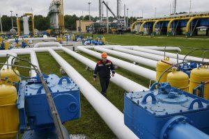 Киев переплачивает за газ назло Москве