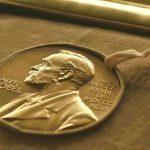 Нобелевскую премию по экономике дали за вклад в теорию контрактов