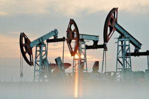 Баррель нефти продолжает торговаться по рекордно высокой цене