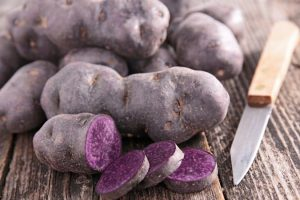 Украинцев приучают к экзотическому картофелю