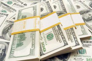 Эксперты прогнозируют резкий скачок курса доллара в 2017 году