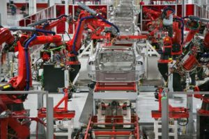 Украина ведет активные переговоры по строительства завода Tesla в стране