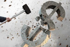 Погромщики повредили банкоматы принадлежащего ВЭБу банка на Украине