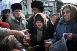 Украине следует ввести продовольственные карточки — экономист