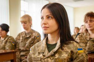 Женщин-офицеров запаса призовут как и мужчин
