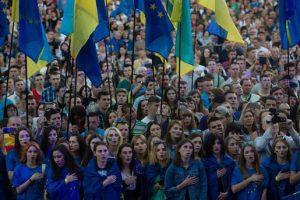 Названы страны, которым украинцы доверяют больше всего