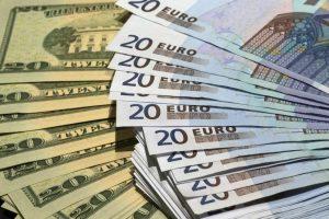 НБУ обещает либерализацию после вступления в силу нового закона «О валюте»