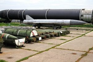 У Порошенко отреагировали на скандал с украинским «следом» в ракетах КНДР