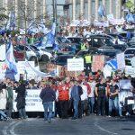 Медикам - достойную зарплату! Протест врачей набирает обороты