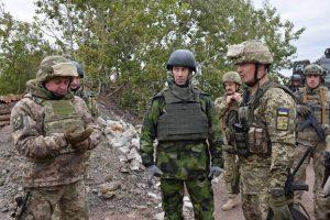 Главнокомандующий ВС Швеции посетил Донбасс