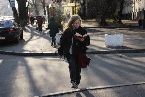 В Кабмине подсчитали, на сколько зарплата женщин в Украине ниже, чем у мужчин