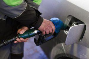Цены на АЗС продолжают расти: бензин пробил отметку в 31 гривню
