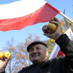 С января украинцам придется платить за разрешение работать в Польше