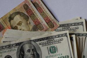 По чужим счетам: как Украина потеряла половину экономики