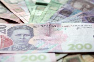 Зарплатные долги в Украине сократились до 2,4 миллиарда