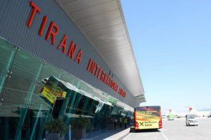 Из Албании смогли вылететь все украинские туристы