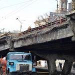 В Киеве начали разбирать Шулявский мост