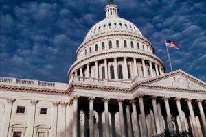 Сенат США проголосовал за увеличение военной помощи Украине