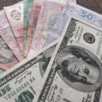 Доллар приближается к 28 грн