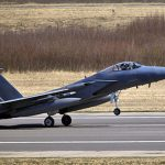 В ходе международных учений на Украине разбился истребитель с американским пилотом
