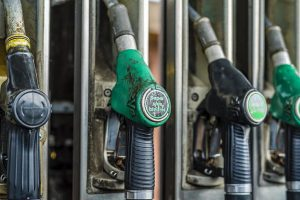АЗС Украины снизили цены на бензин