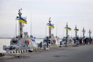 На Украине перебросили войска к побережью Азовского и Черного морей