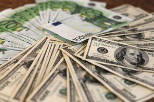 Доходы украинского президента за год увеличились в 95 раз