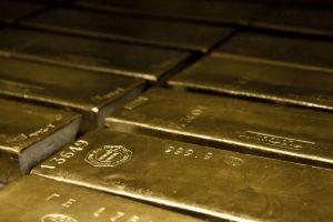 Украина распродает золотой запас из-за задолженности перед МВФ