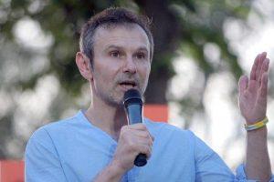 Вакарчук предложил сажать в тюрьму за переговоры с Россией