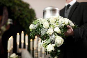 Все о похоронах: как правильно проводить ритуал в соответствии с нашими традициями