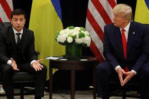 СМИ узнали о присутствии советника Пенса при беседе Трампа с Зеленским